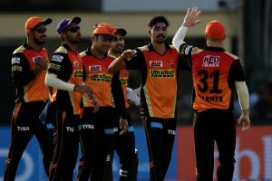 Mohammed Siraj strikes as Sunrisers Hyderabad wrap Gujarat Lions for 154