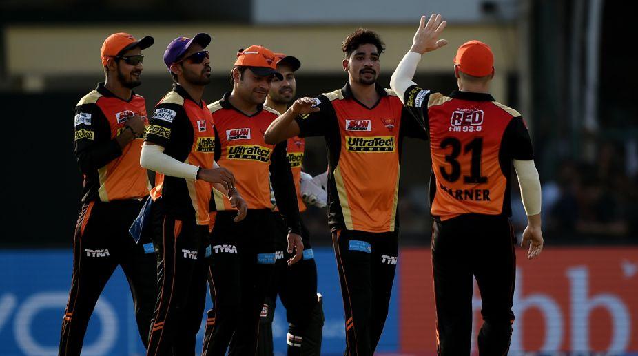 Mohammed Siraj strikes as Sunrisers Hyderabad wrap Gujarat Lions for 154