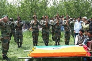 Indian Army pays homage to jawan killed in Pakistan ceasefire violation