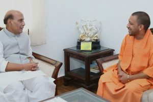 Rajnath, Adityanath review preparations for Yoga Day event