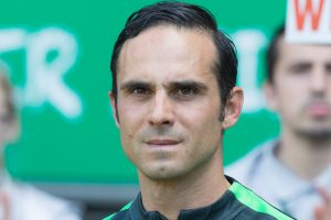 Werder Bremen extend contract with coach Alexander Nouri