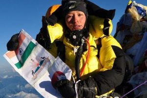 Indian woman creates history, twice climbs Everest in 5 days