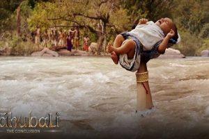 Mulayam watches 'Bahubali…', gives it a thumbs up