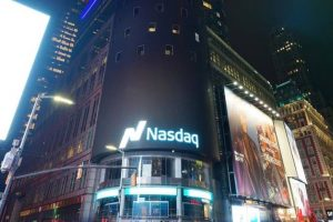 S&P 500, Nasdaq notch record high despite shutdown concerns