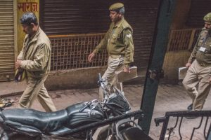 3 cops suspended for murder of Mathura traders
