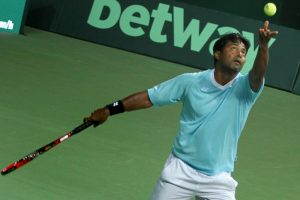 Paes-Raja reaches quarters in Knoxville, Sharan knocked out