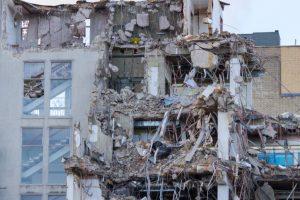 3 injured in south Kolkata building collapse
