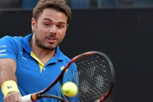 Stan Wawrinka advances to Italian Open pre-quarters