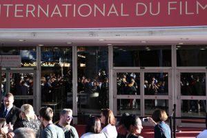 Bomb scare delays Cannes screening