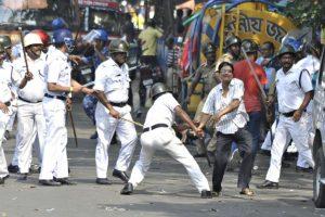 3 journalists injured in Kolkata lathicharge