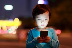 US group wants ban on sale of smartphone to kids under 13