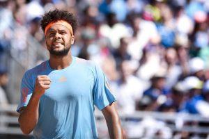 Lyon Open: Jo-Wilfried Tsonga defeats Carlos Berlocq to reach quarters