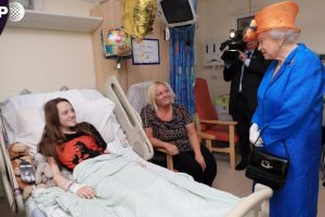 Queen Elizabeth II visits young victims of Manchester bombing