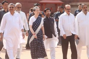Opposition unites at Sonia's luncheon meet ahead of Prez election