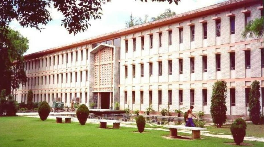 Aligarh Muslim University, PhD student, terror links, Hizbul Mujahideen, militant group