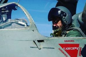 IAF chief flies MiG-21 to honour Kargil dead