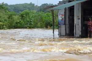 Death toll from Sri Lanka's floods rises to 164
