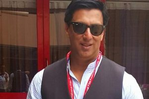 Bhandarkar shoots reloaded version of 'Chadhta sooraj dheere dheere'