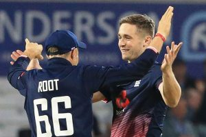 Chris Woakes in race to be fit for 1st South Africa Test
