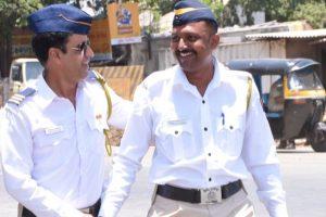 Ahmedabad traffic cops to use mobile app to penalise violators
