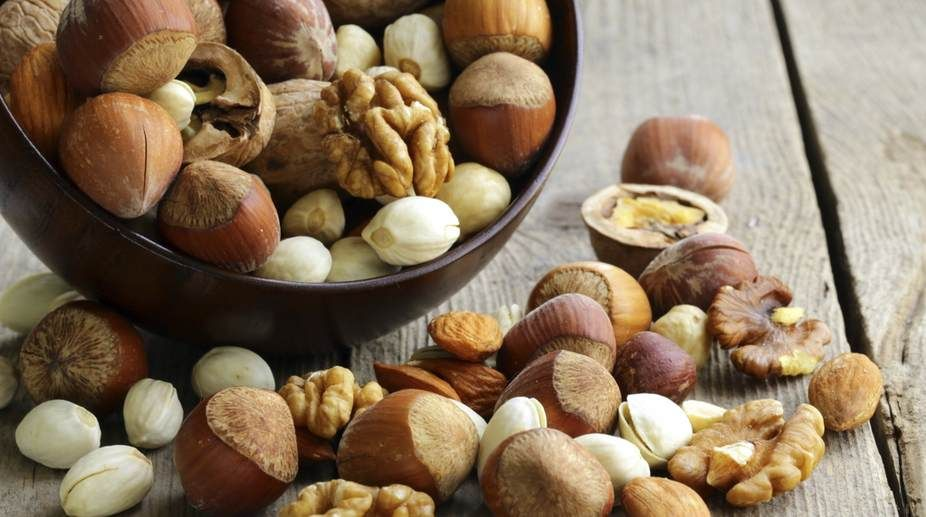 Eating Almonds Peanuts May Boost Colon Cancer Survival