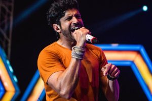 Farhan Akhtar relives his 'Spain days'!