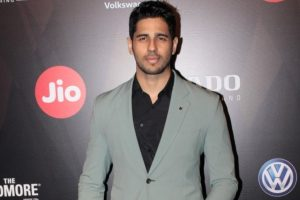 Sidharth Malhotra's 'brother', promotes 'A Gentleman…' outside a toilet!
