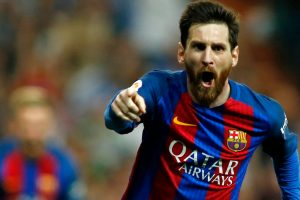 Lionel Messi agrees to renew Barcelona contract until 2021