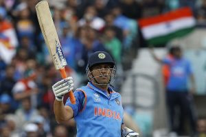 CT 2017: Dhoni sets fire after Dhawan-Rohit's sparkling start; India pile 321/6