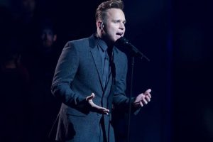 Olly Murs meets terminally ill children