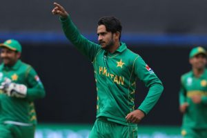 Late 50s by Hasan Ali, Shadab Khan boost Pakistan