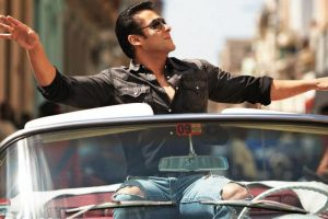 Salman Khan ditches car for cycle, auto ride
