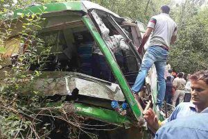 14 passengers injured in J-K road accident