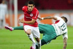 Wolfsburg sign defender William