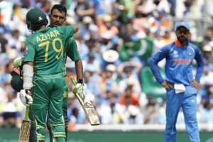CT 2017 final: At 200/2 in 34 overs, Pakistan ride high on Fakhar's ton