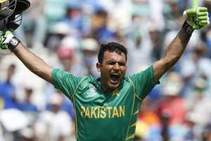 No ball that changed course of CT 2017 final; Cricket fraternity hails Fakhar