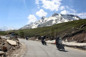Now enjoy scenic beauty of Himalayas on Manali-Leh route freely