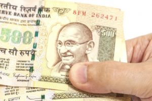 Meerut police arrest five with Rs. 29 lakh in old currency