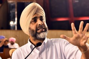 'Apni Gadi Apna Rozgar' relief for govt amid criticism