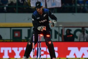 New Zealand wicketkeeper Luke Ronchi quits international cricket