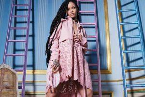 Rihanna helps a fan overcome heartbreak