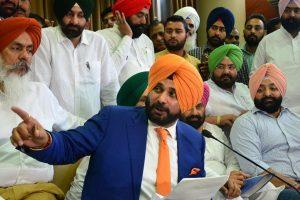 Navjot Sidhu demands VB probe against 'Cable Nexus'