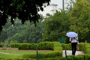 Slight rise in temp in north, heavy rains likely in Delhi