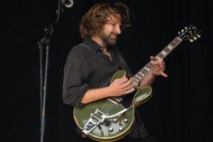 Bradley Cooper makes surprise entry at Glastonbury fest
