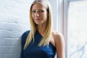 Paltrow dines out with Martin, Falchuk
