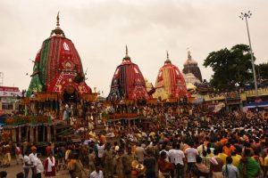 Lakhs witness Lord Jagannath's return car festival