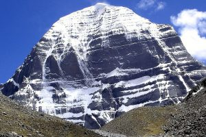 In touch with India over resuming Kailash Mansarovar Yatra: China