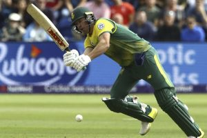 Graeme Smith advises struggling AB de Villiers to quit ODI captaincy