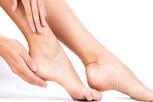 Home cures: Heal cracked heels