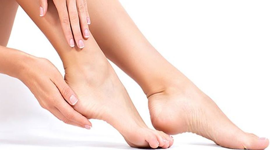 Home cures: Heal cracked heels
